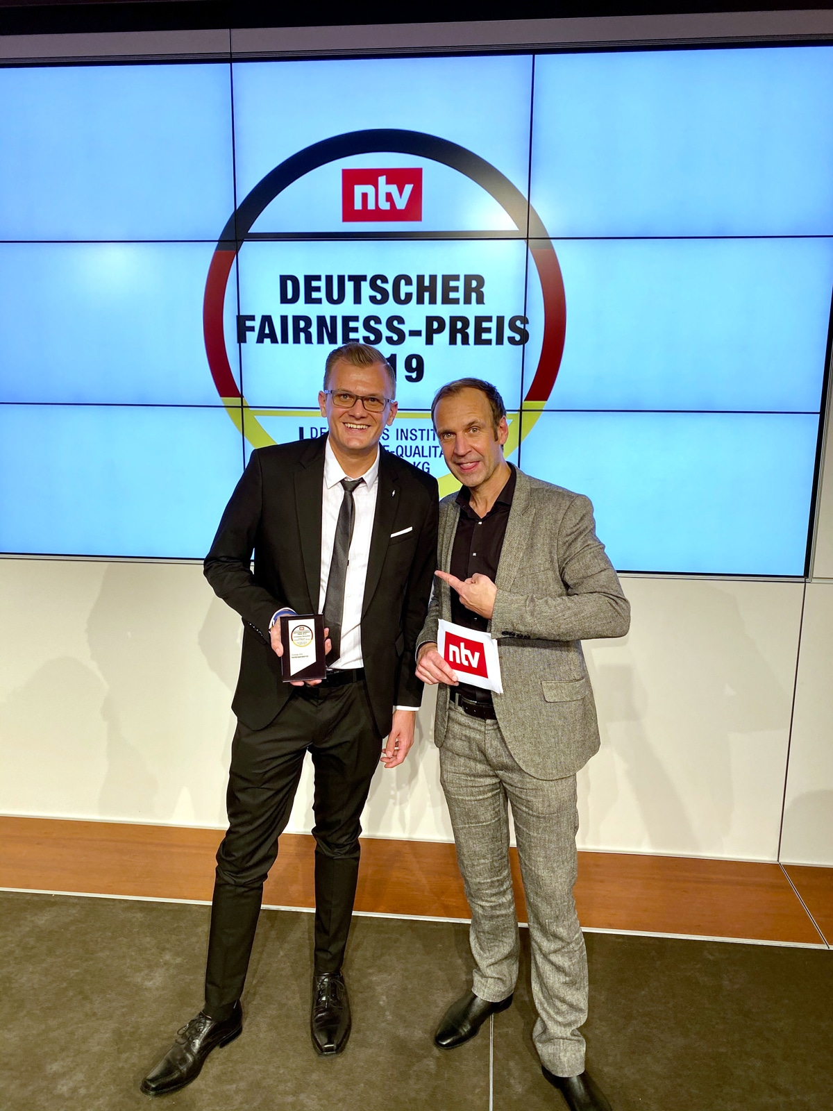Philipp Zurawski & n-tv Moderator Torsten Knippertz